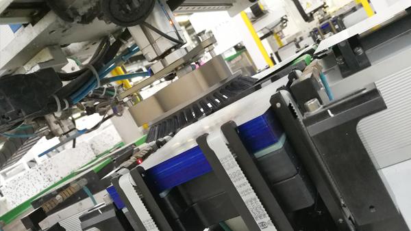 迈瑞凯为茂迪新能源供应毛刷式伯努利吸盘设备