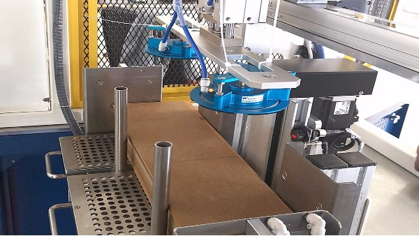 迈瑞凯为沿辉科技供应负压检测式海绵吸盘设备